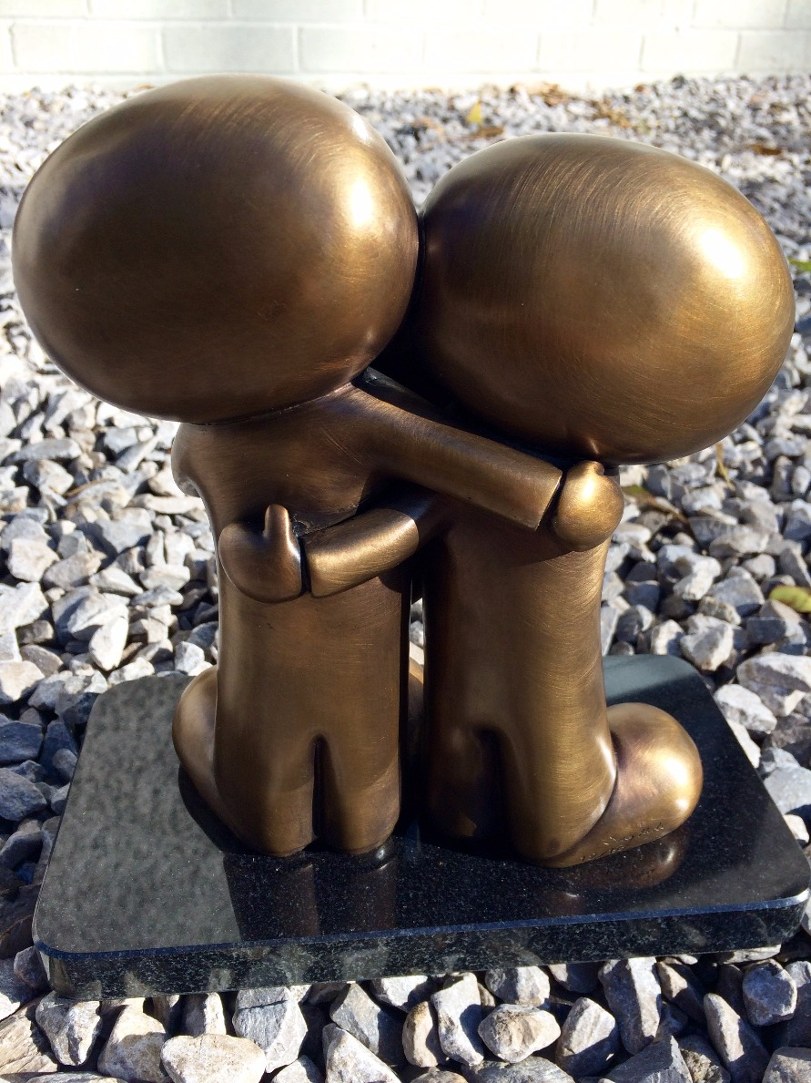 I love you this much II by Doug Hyde, Romance | Love | Couple | Figurative | Sculpture